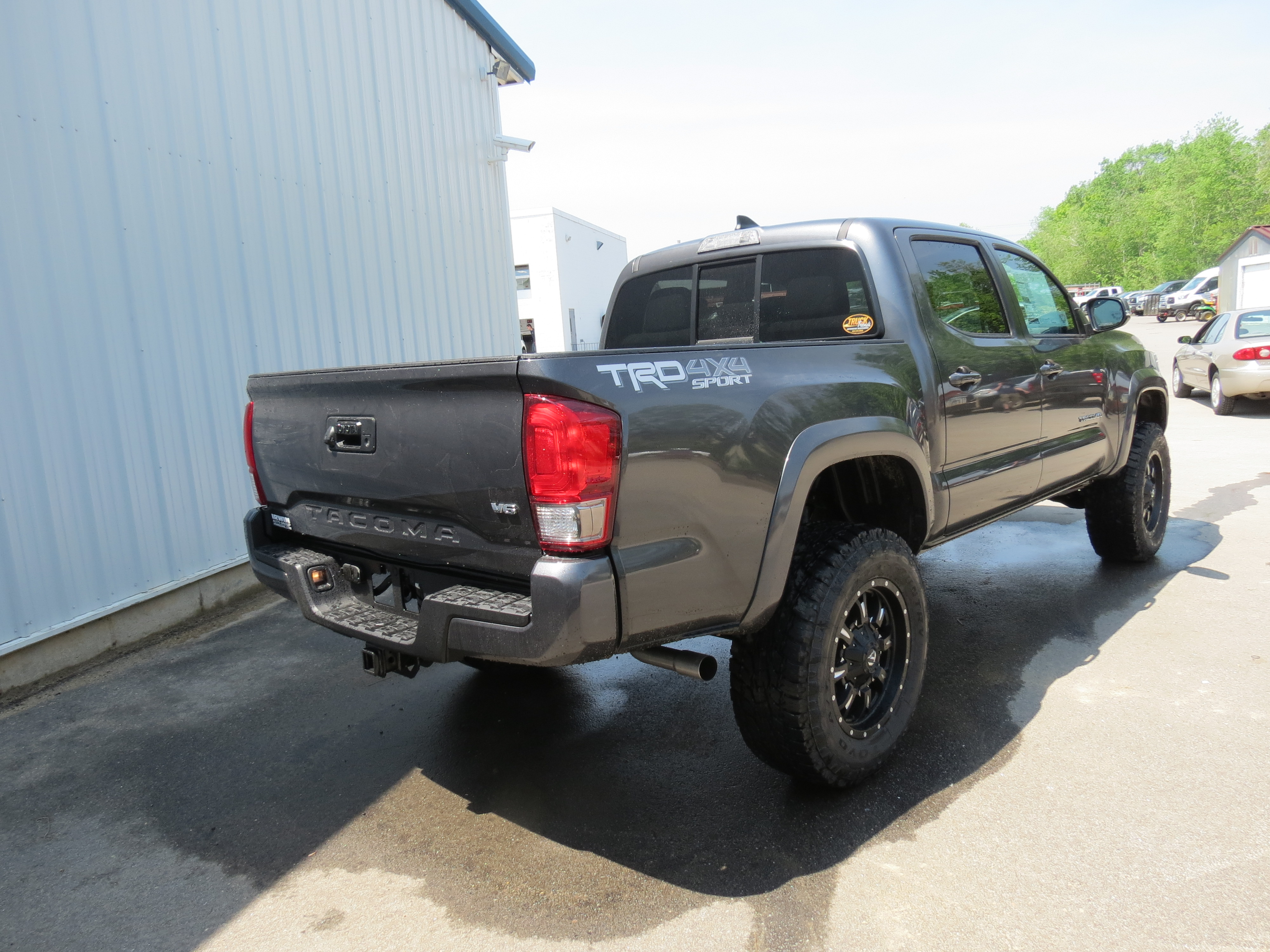 2016 toyota tacoma trd sport with a lift kit irwin. Black Bedroom Furniture Sets. Home Design Ideas